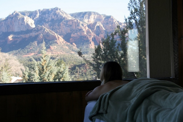 Your best Sedona, Arizona massage has to have red rock views.