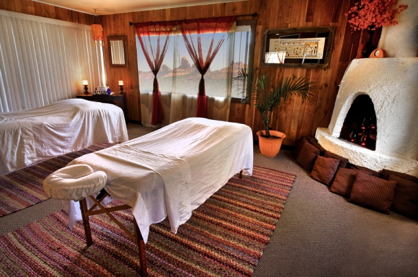 Enjoy a tandem massage with views of Sedona